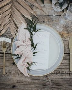 Tropical earth tone Palm Springs marriage ceremony at Colony 2 - Inspring Wedding Ideas Palm Springs, Wedding Place Settings, Wedding Table Place Settings, Wedding Table Decorations, Wedding Napkins, Earth Tones, Spring Wedding, Wedding Details, Wedding Planner