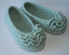 Knitting pattern PDF Slippers  Womens and by lavenderhillknits, $6.95