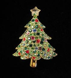 Vintage Christmas Tree Covered in Rhinestones Pin Brooch circa - Christmas Time Is Here, Christmas Love, Christmas Images, Vintage Christmas, Jewelry Christmas Tree, Jewelry Tree, Christmas Items, Diy Jewelry, Jewellery