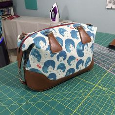 I had a fabulous and busy day sewing along with the ladies in the Bag of the Month Club Facebook Group. I promised to move it all here, so that it can referred in the future. This is a supplement to the pattern instructions, they are much more detailed. (This bag pattern is currently only …