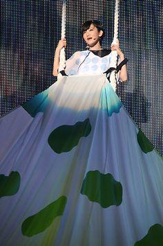 乃木坂46:デビュー1周年のバースデーライブにファン9000人 全楽曲披露の活動史上最大ライブ - 写真特集 - MANTANWEB(まんたんウェブ)