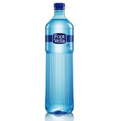 Font Vella Premium on Packaging of the World - Creative Package Design Gallery Water Packaging, Bottle Packaging, Label Design, Package Design, Agua Mineral, Mineral Water, Packaging Machinery, Water Bottle Design, Sensory Bottles