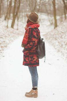 Maddinka: Beige Hat + Oversized Vintage Jacket + Cuffed Blue Denim + Black Socks + Black Backpack + Beige Cut-Out Boots