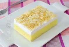 Reteta Prajitura Cremsnit - JamilaCuisine - don't like the corn starch texture/ flavor it gives it. I prefer the cremes to be creamier. Romanian Desserts, Russian Desserts, Romanian Food, Romanian Recipes, Cooking Time, Cooking Recipes, Dessert Cake Recipes, Cake Videos, Food Cakes