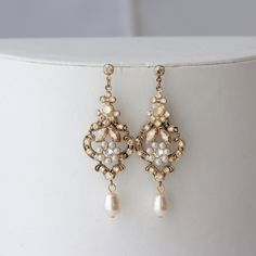 Chandelier Wedding Earrings Antique Gold Bridal Earrings Swarovski Golden Shadow Crystal Pearl Vintage Wedding Jewelry. AMY by LuluSplendor on Etsy https://www.etsy.com/listing/126475912/chandelier-wedding-earrings-antique-gold