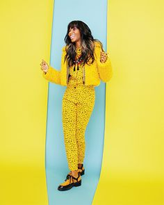 Santigold play with background