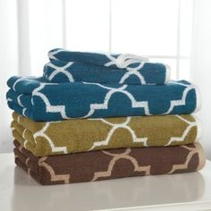 Trellis pattern towels! Why can't these come in purple or black and white?!