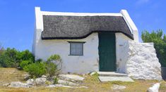This photo from Western Cape, West is titled 'White Cottage'. Old Cottage, Cottage Art, White Cottage, Cottages And Bungalows, Cabins And Cottages, Beach Cottages, Fishermans Cottage, South Afrika, Cape Dutch
