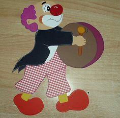 Fensterbild  Clown mit Trommel  Tonkarton