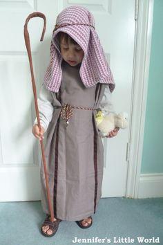 Homemade Nativity Shepherd costume from a pillowcase
