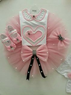 1 Baby Girl Shoes, Little Girl Dresses, Baby Tutu, Baby Dress, Little Girl Fashion, Kids Fashion, Gender Neutral Baby Clothes, Birthday Dresses, Kids Wear