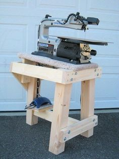 Scrollsaw Workshop: Free Scroll Saw Stand Plans From Kenneth Van Winkle.