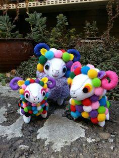 彩色毛球羊