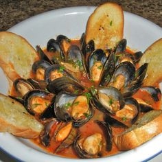 Seafood Pasta, Fish And Seafood, How To Cook Fish, Looks Yummy, Everyday Food, Antipasto, Ratatouille, Fett, Finger Foods