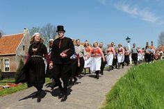 IJsbruiloft in Zuiderzeemuseum Er op uit  Telegraaf.nl #NoordHolland #Marken
