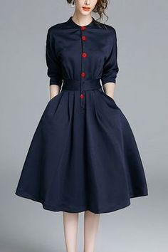 Skandinavisches Modedesign, blaues Kleid mit roten Knöpfen – Frauenmodus- Scandinavian fashion design, blue dress with red buttons – women mode # blue mode design Vestidos Vintage, Vintage Dresses, Vintage Outfits, Vintage Fashion, Elegant Dresses, Casual Dresses For Women, Pretty Dresses, Clothes For Women, Awesome Dresses