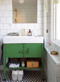 The vintage interior decor never goes out of style. This vintage bathroom decor is such an excellent example if you want your vintage home decor to shine. White Bathroom Tiles, Trendy Bathroom, Bathroom Makeover, Bathroom Trends, Home Decor, House Interior, Bathroom Flooring, Bathrooms Remodel, Bathroom Design