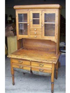 Possum belly hutch Primitive Furniture, Primitive Antiques, Country Furniture, Country Decor, Antique Furniture, Painted Furniture, Farmhouse Decor, Primitive Decor, Bakers Cabinet