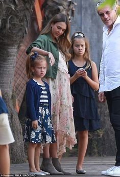 Her daughters were coordinated in navy ensembles, with Honor wearing a sleeveless tiered dress and Haven styled in a striped and floral number Jessica Alba Outfit, Jessica Alba Casual, Jessica Alba Family, Jessica Alba Style, Stylish Maternity, Maternity Fashion, Maternity Style, Fashion Blogger Style, Girl Fashion