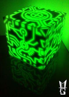 MADYLIGHT, DIY Tron-inspired lamp