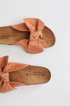 Put your fashionable foot forward with Free People shoes that are perfect for every occasion. Shop Free People shoes online and stay on trend year-round. Fall Shoes, Summer Shoes, Cute Shoes, Me Too Shoes, Women's Shoes, Jeffrey Campbell, Shoes Online, Fashion Shoes, Baskets