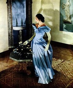 Dorian Leigh wearing Charles James, 1948. Photograph by Cecil Beaton for Vogue.