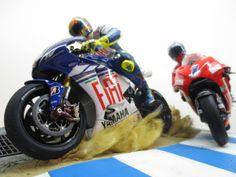 Diorama - Casey Stoner VS Valentino Rossi - Laguna Seca 2008 by Tateo Chen
