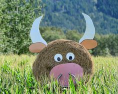hay bale decoration by Dougerino, via Flickr Hay Bale Decorations, Farm Art, Straw Bales, Hay Bales, Halloween Art, Halloween Decorations, Decor Crafts, Barn Dance, Pig Roast