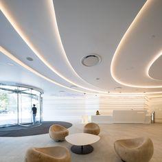 Image 4 of 30 from gallery of Oromolu Office / DSBA. Photograph by Radu Malasincu Lobby Interior, Cafe Interior, Office Interior Design, Interior Exterior, Office Interiors, Interior Architecture, Yvoire, Ceiling Plan, Futuristic Interior