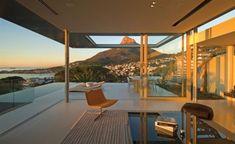 glaswand gipfel modernes luxus ferienvilla mit ozean blick