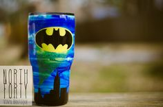 Check out this awesome Batman glitter tumbler! Diy Tumblers, Custom Tumblers, Glitter Tumblers, Fathers Day Gifts, Gifts For Dad, High School Grad Gifts, Epoxy, Tumbler Boys, Custom Yeti