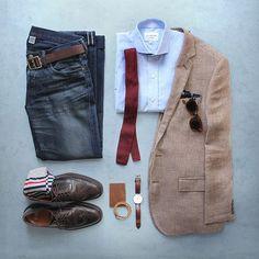 Blue with fall hues.  Blazer/Tie/Shoes: @jcrew Shirt: @ledburyshirts Denim: Double RL @ralphlauren Pocket Square: @kirikomade Belt: @caputoandco Wallet: @bisonmade Bracelet: @miansai Watch: @danielwellington Socks: @bananarepublic