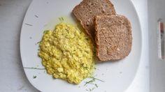 Veganes Rührei | Veganes Frühstück | Scrambled Egg #rezept #vegan Sandwiches, Grains, Rice, Food, Vegan Breakfast, Easy Meals, Food Food, Recipes, Meal