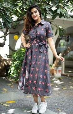 skirt dresses for indian wedding Kurta Designs Women, Kurti Neck Designs, Kurti Designs Party Wear, Frock Fashion, Fashion Dresses, Fasion, Frock Dress, The Dress, Indian Designer Outfits