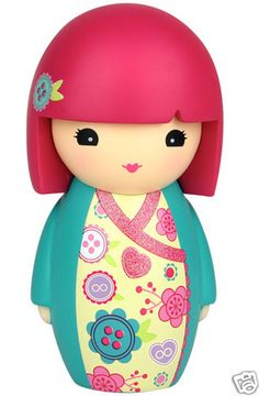 Kimmidoll Junior: JADE - 'A friend listens with their heart'. Date of Birth: 7 July I am friends with Amber and Ruby Momiji Doll, Kokeshi Dolls, Clay Dolls, Art Dolls, Asian Party Themes, Thinking Day, Maneki Neko, Vinyl Toys, Wooden Dolls