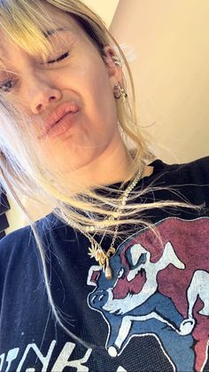 Miley Cyrus Style, Miley Cyrus News, Hannah Montana, Miley Cyrus Piercings, Hannah Miley, Lgbt, Eyeshadow Step By Step, Criminal Minds Cast, Disney Channel Stars