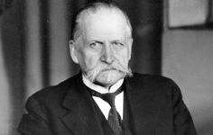 Kyösti Kallio (April 1873 – December was the fourth President of Finland He was a prominent leader of the Agrarian League, and served as Prime Minister four times and Speaker of the Parliament six times. April 10, December, Prime Minister, Finland, Times, Historia