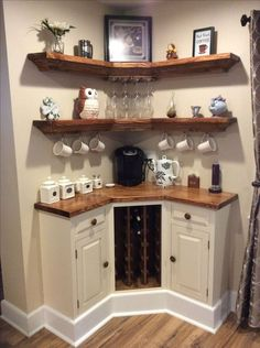 Here are 30 brilliant coffee station ideas for creating a little coffee corner that will help you decorate your home. See more ideas about Coffee corner kitchen, Home coffee bars and Kitchen bar decor, Rustic Coffee Bar. Diy Home Decor, Room Decor, Diy Home Bar, Home Wine Bar, Sweet Home, Home Coffee Stations, Coffee Bar Station, Coffee Station Kitchen, Diy Casa