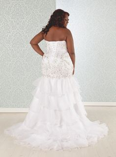Sexy strapless-back plus size wedding gown