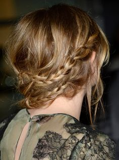 21 Celebrity Hairstyles For When You Don't Want To Wash Your Hair Celebrity Hairstyles, Messy Hairstyles, Pretty Hairstyles, Wedding Hairstyles, Style Hairstyle, Couleur Ombre Hair, Milkmaid Braid, Braid Hair, Braid Crown