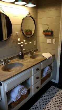 Importance Of Having A Diy Bathroom Vanity French Country Bedrooms, French Country Decorating, Country Bathrooms, Country Bathroom Vanities, Cottage Bathrooms, Diy Vanity Projects, Diy Projects, Ideas Baños, Decor Ideas