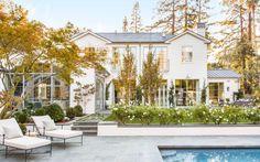 Traditional Lofty Modern Farmhouse in California {Farmhouse Style} - Hello Lovely