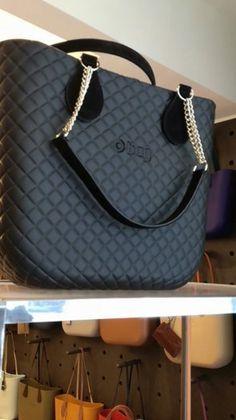 O bag Mini Matelassé Best Purses, Cute Purses, My Bags, Purses And Bags, Giuseppe Zanotti Shoes, Stylish Handbags, Tote Backpack, Best Bags, Cloth Bags