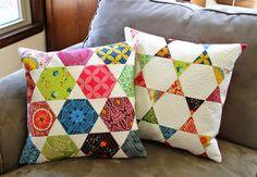 Jaybird Quilts Pattern Review - Candy Dish - Sew Sweetness #hexnmore #jaybirdquilts #candydishpillow  http://sewsweetness.com/