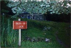 Led Zeppelin - Bron-Yr-Aur Cottage near Machynlleth in South Snowdonia, Wales