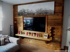 Wall sheeting from original sunburnt old wood! Wooden Tv Stands, Chalet Style, Live In Style, Woodworking Wood, Old Wood, Cool Walls, Wood Art, New Homes, Living Room