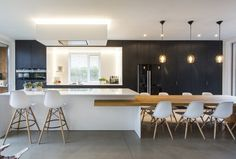 An open plan kitchen allows a bigger kitchen island, resulting in clutter-free spaces and more storage space. Open Plan Kitchen Living Room, Kitchen Room Design, Big Kitchen, Home Room Design, Modern Kitchen Design, Interior Design Kitchen, Kitchen Ideas, Contemporary Kitchen Cabinets, Modern Kitchen Interiors