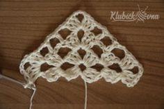 Návod: Jasmínový šátek   Pilgrim Crochet Lace Scarf, Crochet Cocoon, Crochet Bikini, Crochet Triangle, Sweater Design, Crochet Earrings, Crochet Patterns, Knitting, Handmade