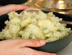 Truffled Mashed Potatoes (received some truffle oil as a gift and wasn't sure what I should do with it, until now)