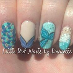 Under the sea nails Nautical Nail Designs, Nautical Nails, Sea Nails, Amazing Nails, Little Red, Under The Sea, How To Do Nails, Summer Nails, Cute Nails